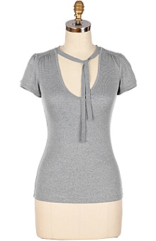 Anthropologie: Shoelace V-Neck :  tee simple