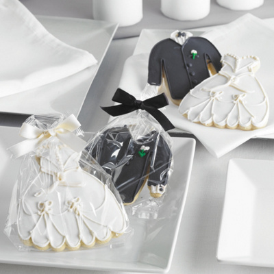 Wedding Gifts For Groom Ireland : Bride Groom Wedding Gifts on Bride And Groom Cookie Wedding Favors ...