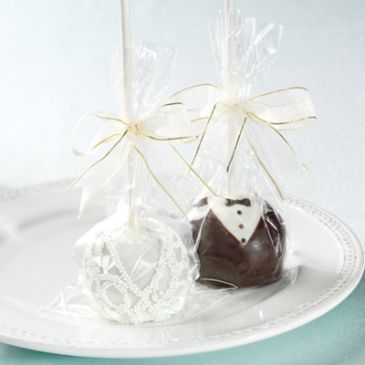Edible Favors on Bride And Groom Brownie Pops Favor   Candy Favors