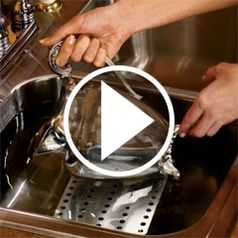 Watch The Museum Precious Metals Cleaning Plate in action