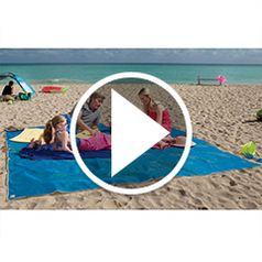 Watch The Four-Person Sandless Beach Mat in action