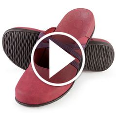 Watch  The Lady's Plantar Fasciitis Stretch Mules in action