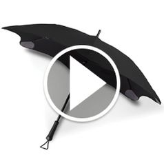 Watch The Passerby Protecting Umbrella in action