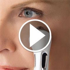 Watch The Crow�s Feet Reducing Skin Toner in action� style=�border-width: 1px; border-style: solid;