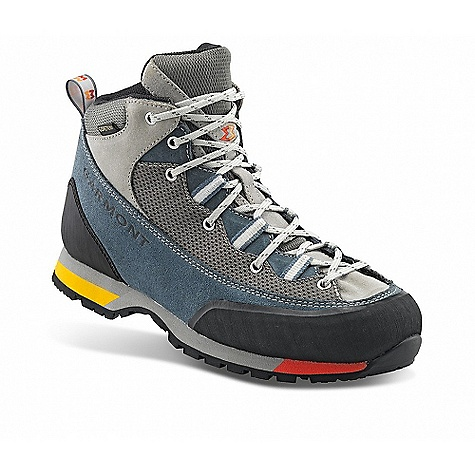 photo: Garmont Vetta Lite GTX hiking boot