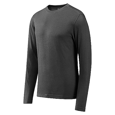 photo: GoLite Men's Dartmoor Long Sleeve Travel Tee long sleeve performance top