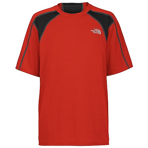 photo: The North Face Vitesse Tee short sleeve performance top