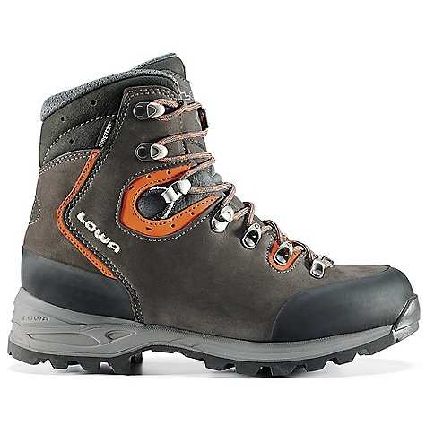photo: Lowa Gavia GTX hiking boot