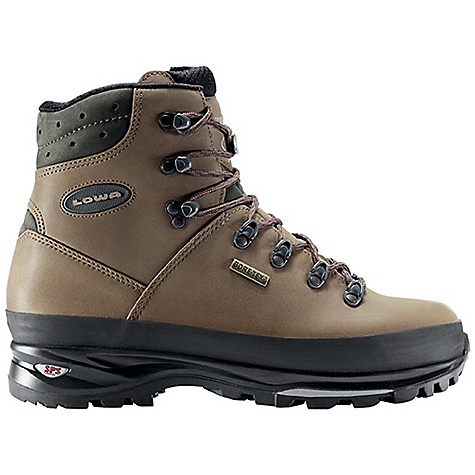 photo: Lowa Ranger GTX backpacking boot