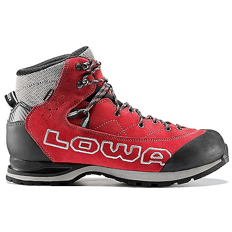 photo: Lowa Triolet GTX Mid mountaineering boot