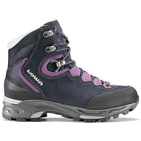 photo: Lowa Vivione II GTX hiking boot