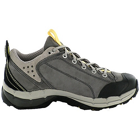photo: Oboz Men's Arete trail shoe