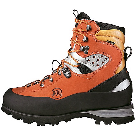 photo: Hanwag Friction GTX mountaineering boot