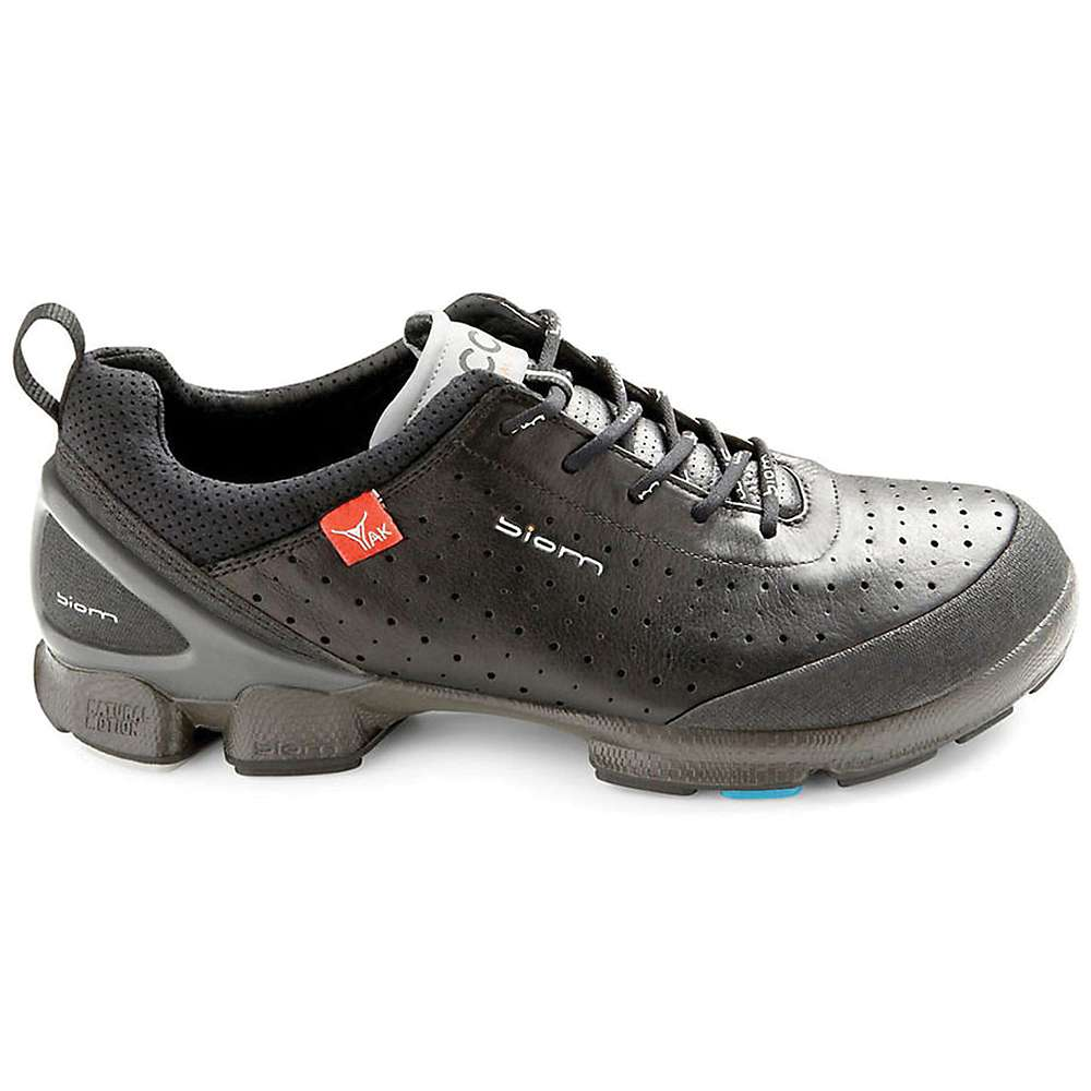 ecco biom walking shoes images