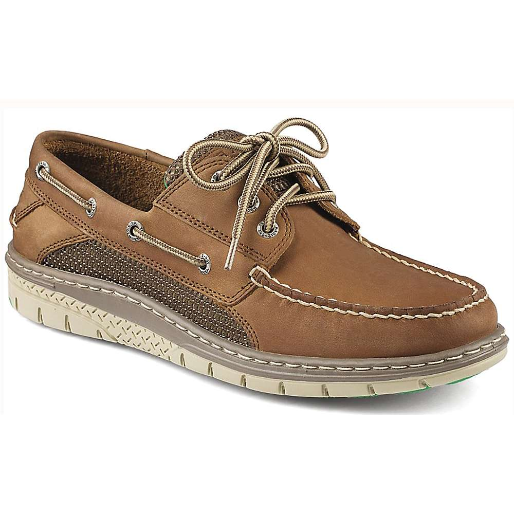 Enjoy this experience all day long in the comfort of the Billfish 3-Eye Boat Shoe from Sperry. Sure footing on deck requires a shoe with great traction for a firm, sturdy grip. The Sperry men's Billfish shoe comes fully equipped with Wave-Siping™ on the rubber outsole to provide stability on wet and dry surfaces.