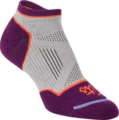 Fits Women's Light Runner Tech Low Sock