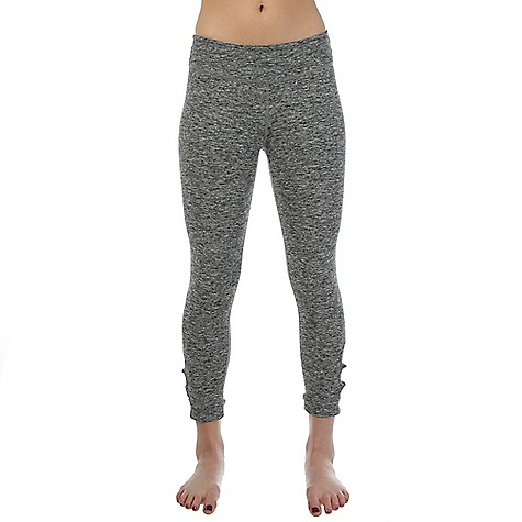 Beyond Yoga Women's Circle Cut Out Capri Legging Black Space Dye
