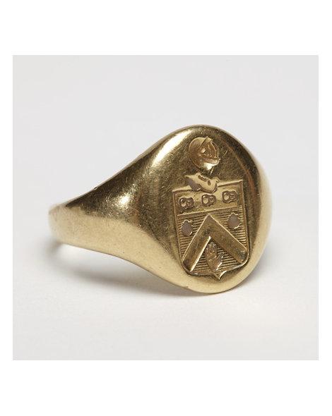 18kt Gold Signet Ring