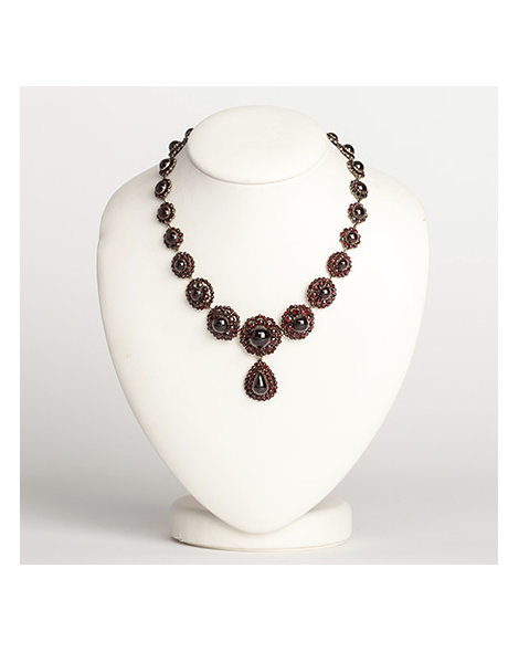 Bohemian & cabochon garnet drop necklace