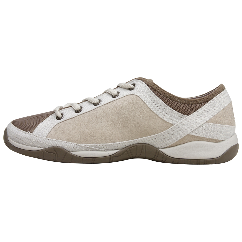 The North Face Braelyn Athletic Inspired Shoes - Women - ShoeBacca.com