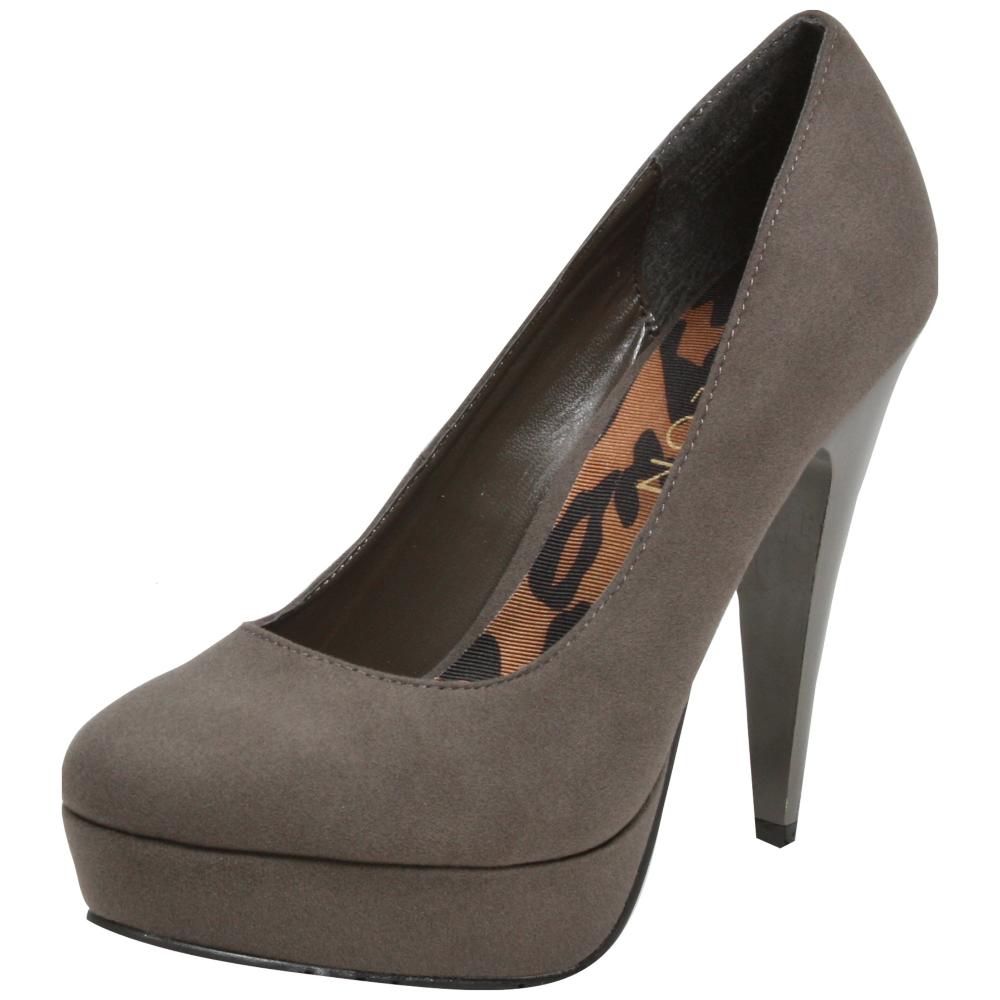 Dereon Savannah Dress Shoe - Women - ShoeBacca.com