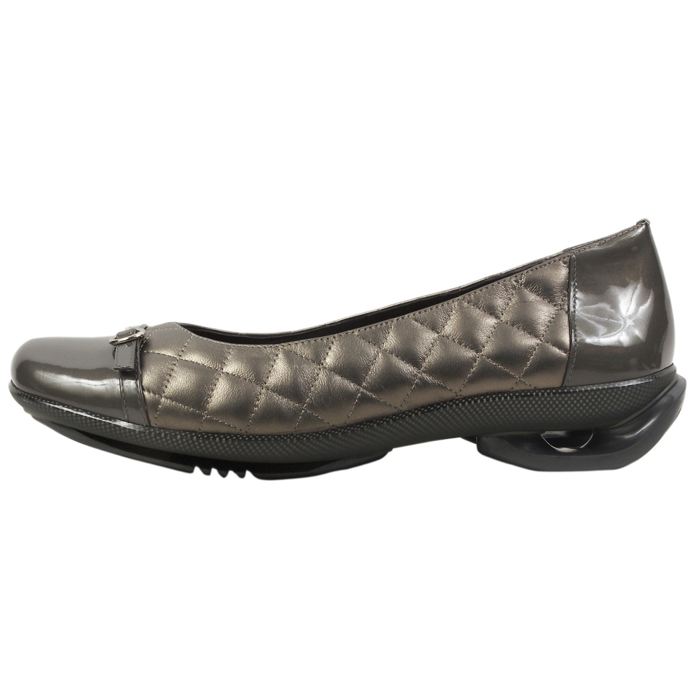 asgi Daisy Ballerina Flats - Women - ShoeBacca.com