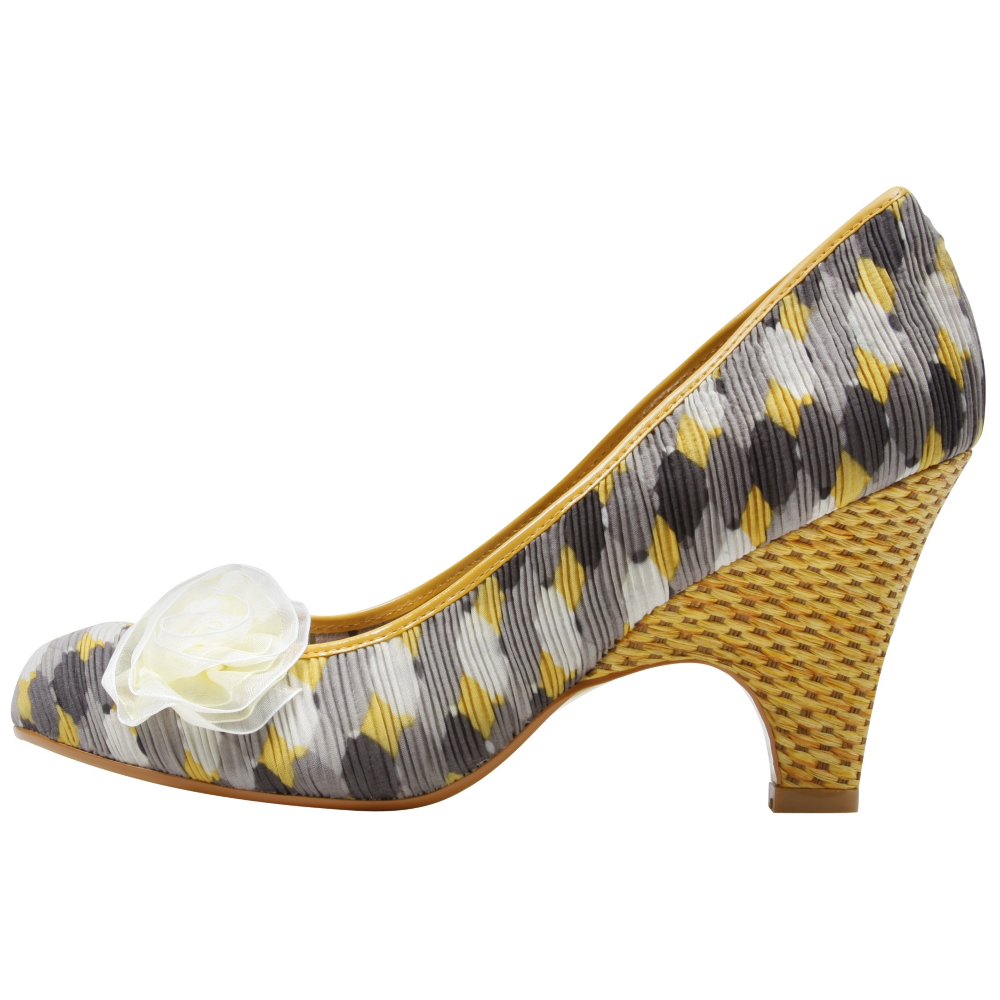 Poetic Licence Picnic Ready Heels Wedges - Women - ShoeBacca.com