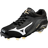 Mizuno Men's Global Elite Low Metal Baseball Cleats