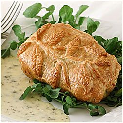 Fillet of Beef in Puff Pastry with Sauce Béarnaise