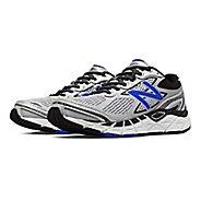 Mens New Balance 840v3 Running Shoe