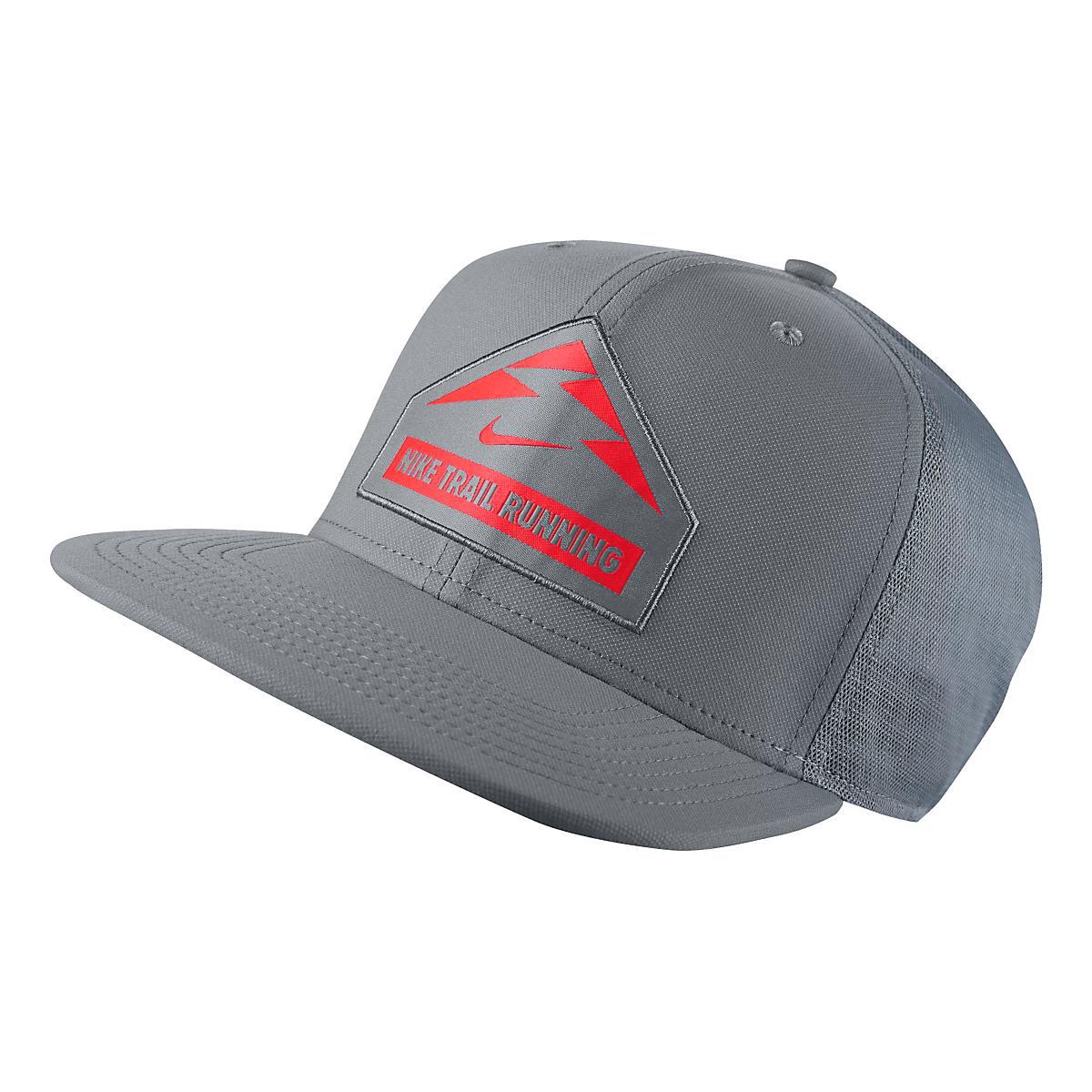Nike�Trail Run Trucker Cap