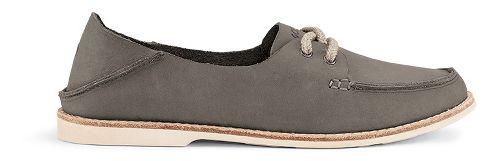 Womens OluKai Moku Leather Casual Shoe - Fog 7.5