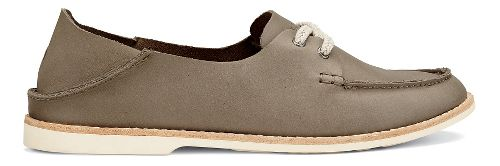 Womens OluKai Moku Leather Casual Shoe - Clay 6