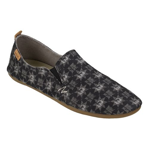 Womens Sanuk Isabel Prints Casual Shoe - Washed Black Tile 10