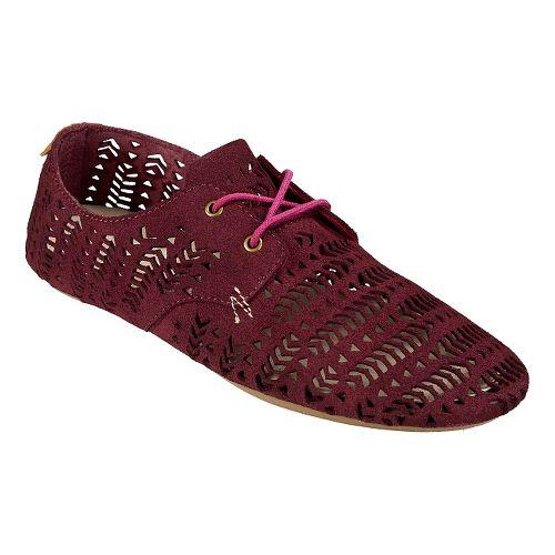Womens Sanuk Bianca Perf Casual Shoe - Dusty Boysenberry 6.5
