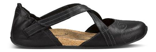 Womens Ahnu Karma Latitude Leather Casual Shoe - Black 6