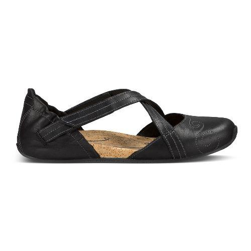 Womens Ahnu Karma Latitude Leather Casual Shoe - Black 6.5