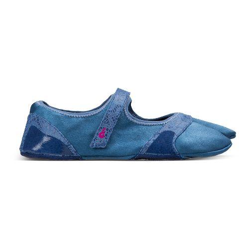 Womens Ahnu In Studi-Om Cross Training Shoe - Regatta Blue S