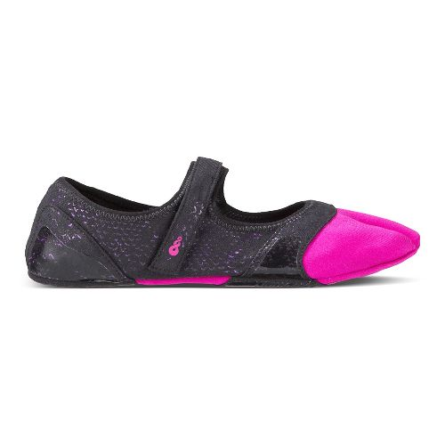 Womens Ahnu In Studi-Om Cross Training Shoe - Magenta Glow XL