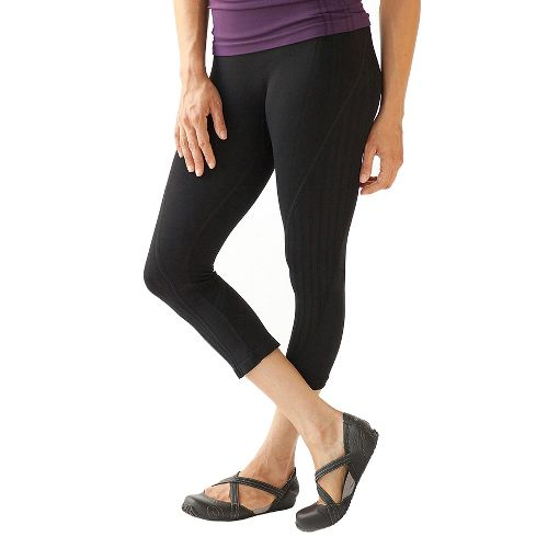 Nylon Capri Pants | Road Runner Sports