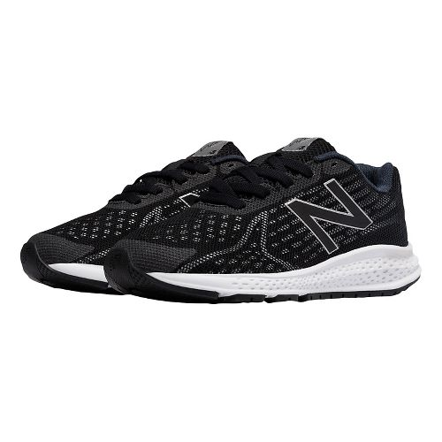 Kids New Balance Rush v2 Running Shoe - Black/Silver 5Y