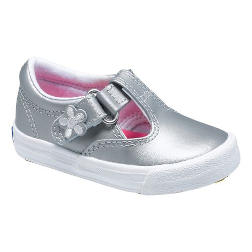 Kids Keds Daphne Classic Walking Shoe - Silver 7.5C