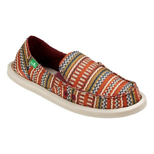 Womens Sanuk Donna Blanket Casual Shoe - Burgundy Bayridge 5