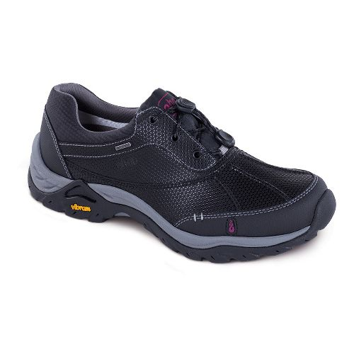 Womens Ahnu Calaveras WP Hiking Shoe - Black 6