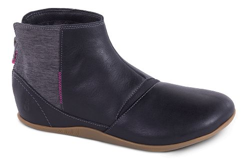 Womens Ahnu Leela Casual Shoe - Black 6