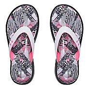 Under Armour Marbella Geo Mix V T Sandals Shoe - Black/White/Pink 4Y