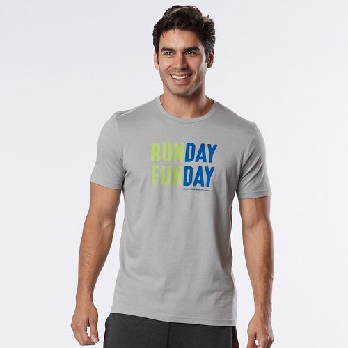 Mens Road Runner Sports Run Day Fun Day Graphic Short Sleeve Technical Tops - Heather Chrome L