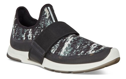 Womens Ecco BIOM Amrap Strap Casual Shoe - Black/Black-White 38