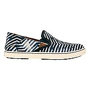 Womens OluKai Pehuea Pa'i Casual Shoe - Lava Rock/Off White 6