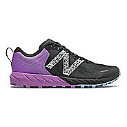 Womens New Balance Summit Unknown v2 Trail Running Shoe
